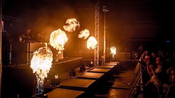 Feuer auf Bühne